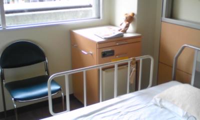 病院窓際.jpg